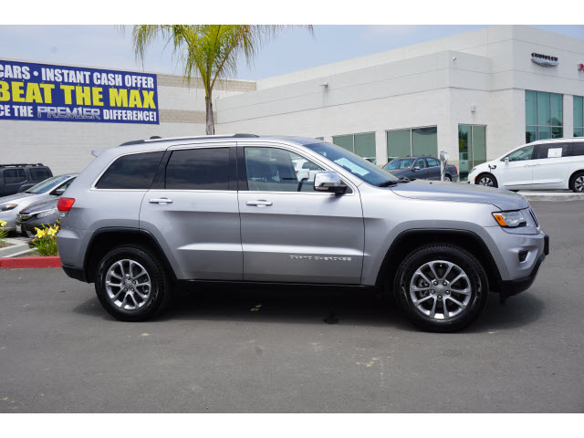 PRE-OWNED 2015 JEEP GRAND CHEROKEE LIMITED RWD 4D SPORT UTILITY